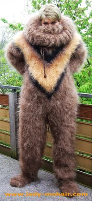 normal_mohair_fuzzy_catsuit_braun_ecke_4